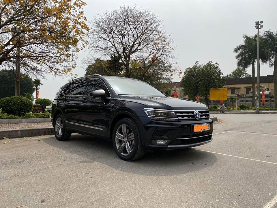 Volkswagen Tiguan 2018 2.0 AT màu đen cực đẹp